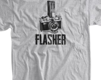 Flasher Retro Camera Photography Gifts for Photographers Tshirt T-Shirt Tee Shirt Mens Womens Ladies Youth Kids