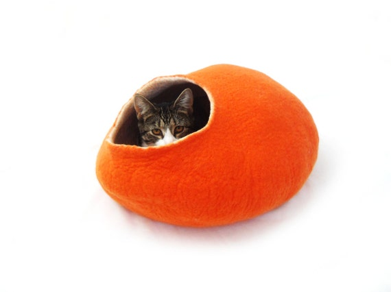 Cat Bed Cave Pet House Felted Wool halloween Orange pumpkin with FREE Ball