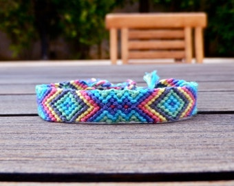 Friendship Bracelet - Pastel Triangles