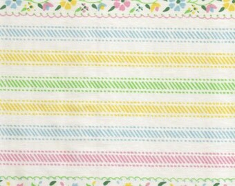 ONE Sweet Vintage Sheet Fat Quarter, Vintage Floral Fabric, Vintage Fabric, Reclaimed Fabric, Sewing Supplies, Quilt Supplies, #FP26