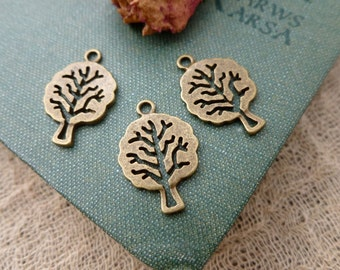 6x Tree Charms, Antique Brass Necklace, Earring Pendants Findings C456
