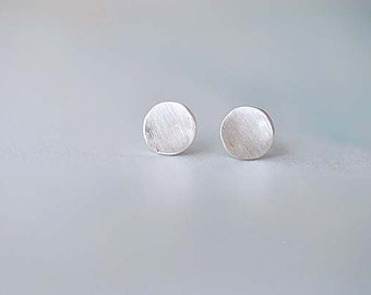 925 Sterling Silver Round Matte Silver Stud Earrings 100