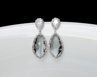 ash bridal earrings , bridal charcoal earrings , bridesmaids earrings , ash gray drop earrings , statement earrings , grey glass earrings