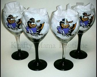 baltimore ravens painted wine glasses by kraftymamaboutique