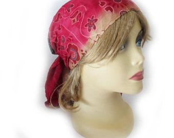 Reversible triangular headcover / tichel
