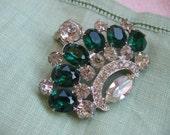 Vintage Signed WEISSCO NY Emerald Green & Crystal Rhinestone Crown Pendant Brooch