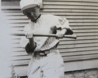 Original 1920's Mama's Little Baseball Player Shows A Bunt Snapshot Photo - Free Shipping