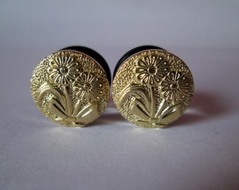 Clearance Sale - Gold Daisy Fancy Plugs - Available in 00g, 1/2 in, and 9/16 in.