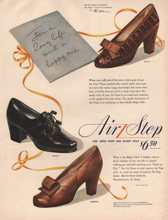 1943 Air Step Shoe print ad Women's shoes with the magic sole 1940's women's fashion