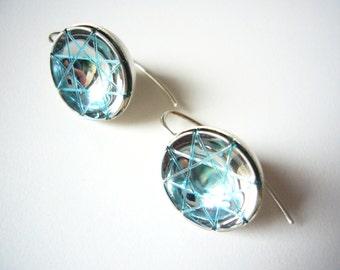 light blue earpendant_suspAct