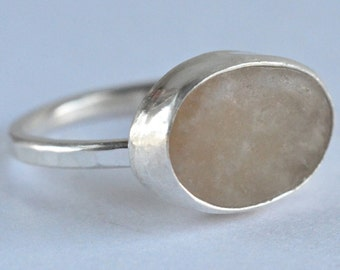beige stone ring in sterling silver size 6.25