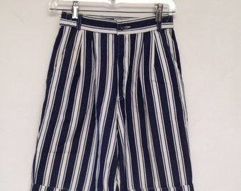 Esprit High Waist Striped 80s 90s Vintage Walking Shorts XS Small Women Pleated Blue and White