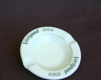 Very Good Verigoud... Vintage collectible French advertising opaline ash tray.