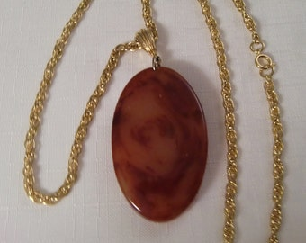 BAKELITE PENDANT NECKLACE / Tequila Sunrise / Rust / Cinnemon / Amber / Marbled / Oval / Huge / Retro / Tested / Rare / Hipster / Accessory