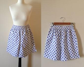 vintage 1980s INCOGNITO white blue polka dot print shorts. UK 8-10