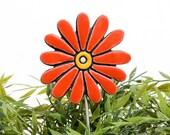 Flower garden art - plant stake - garden decor - flower ornament  - ceramic flower - daisy - red