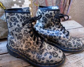 1990s Dr. Martins Floral Grunge Roses Combat BOOTS unworn // US Size 5/6 UK 3