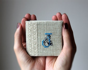Personalized mini notebook - Monogrammed - Initial - Hand embroidered - Fabric covered - Linen and lace