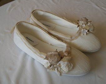 Wedding Flats  Vegan, Shoes Rustic Wedding style Ivory Champagne,vintage flowers & burlap,Rustic Country Chic,Garden Outdoor bridal slippers