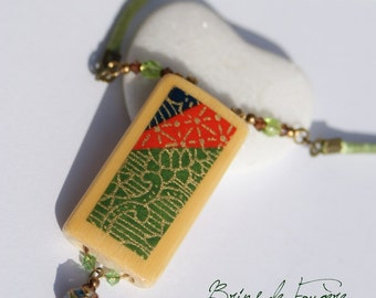 Green necklace in bamboo and washi paper