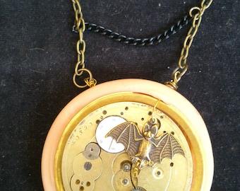 Collar Moonlight watch mechanism