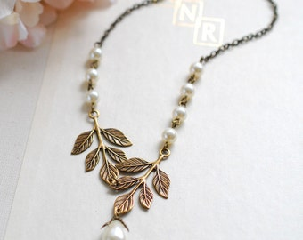 Bridal Necklace. Antiqued gold brass Leaf Cream Ivory Pearls Necklace. Woodland Wedding Jewelry, Valentines day gift, gif for her