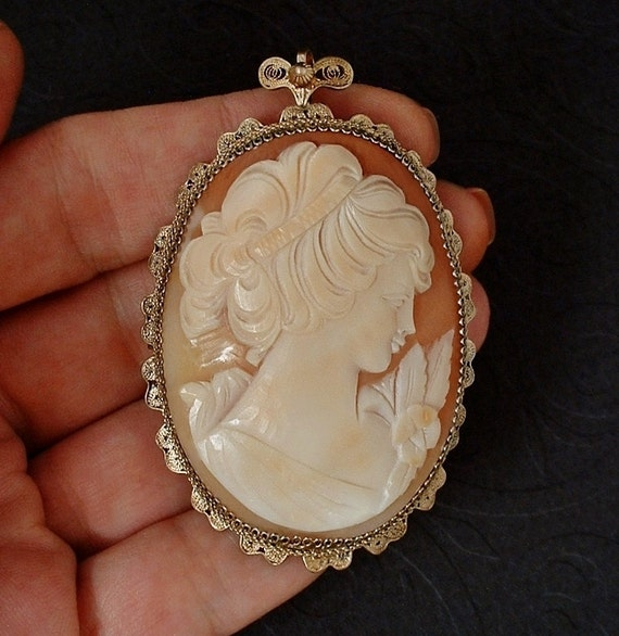 Vintage Cameo Brooch Pendant Carved Carnelian Shell Lady Rose