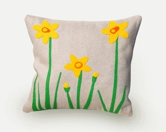 Daffodil pillow, decorative pillow, spring, flowers, living room, pillow yellow flowers, bedroom decor, application, natural beige linen.