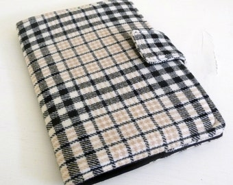 Plaid Wool Nook HD Cover Cream and Black Tartan Wool