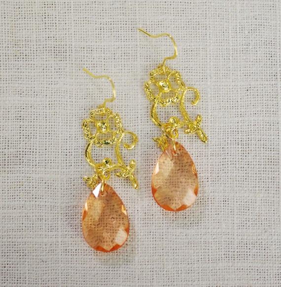 CLEARANCE . gardenia . gold  // gold flower earrings . flower jewelry . coral . peach . faceted teardrop earrings