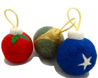 Cat Toy Felting Kit, DIY catnip toy, Christmas tree ornament kit, craft kit, needle felting kit with catnip