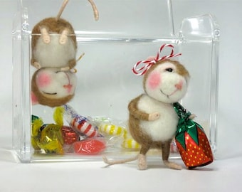 Needle Felted Animal Dressed Mouse & Bunny Class Needle Felting to create BOTH the Bunny and Mouse (Kit Available and sold separately)