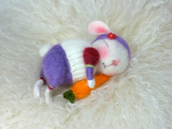 Needle Felted Animal Tutorial / Needle Felted Pattern / Needle Felted Mouse & Bunny / Needle Felting / Wool Roving / Wool Fleece