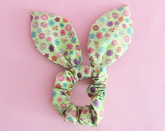 Dolly Bow Scrunchie - Colorful Flowers
