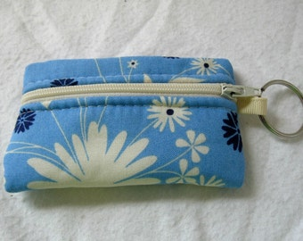 Blue Floral Coin Purse - Flowers Change Purse - Coin Purse Keychain - Blue Earbud Holder
