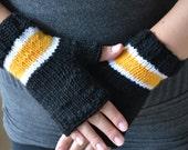 Boston Bruinds Handknit hand warmers