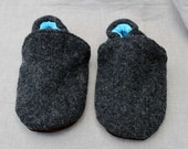 Charcoal Gray Wool Kids Slippers Leather Bottom Size 4-5 years old made from recycled materials