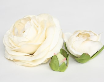 Set of THREE Silk Ranunculus in Vintage Cream - Bud to Bloom - ITEM 0468