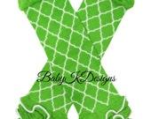 Lime Green Quatrefoil Leg Warmers. Baby Legwarmers.Girls Green Ruffle Legwarmers Knit Footless socks Soccer Cheer Dance