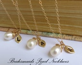 THREE Bridesmaids Pearl Necklaces,Personalized Necklaces,Gold Filled, Stamped Leaf, Bridal Party, Wedding, Bridesmaid, Maid of Honor Jewelry