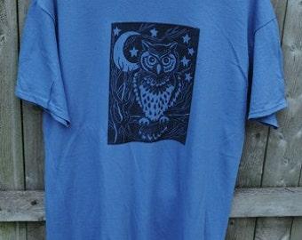 Night Owl - Men's Tshirt on Dark Blue - Size Large