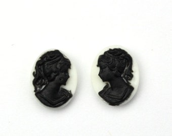 Plastic Cameos Lady Left & Right Facing 10x8mm White / Black (6) IC111