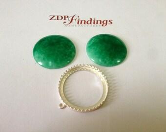 2pcs x Beautiful 30mm Green Aventurine Glass Cabochons (AVNRD30GL)