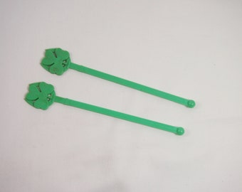 Vintage Shamrock Luck of the Irish Plastic Drink Swizzle Sticks 50s 60s Green