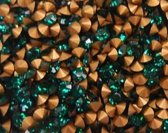 36 17ss Emerald ss17 Swarovski Size 17 or 4mm Chatons Art 1012 Swarovski Emerald pp32 Emerald 32pp Art 1012 Emerald Brillion