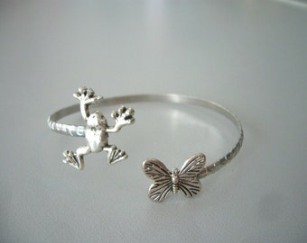 Butterfly bracelet wrap style with a frog