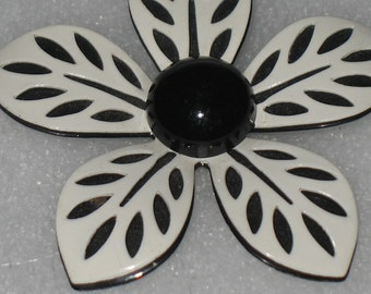Vintage Black and White 2 Layered Flower Pin Brooch