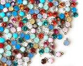 12pc 5mm rhinestone resin gem charms in antique brass one-loop settings / mixed dangle drops / faceted 5mm round resin stone bronze bezel