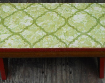 Sweet WOOD FOOTSTOOL, BENCH, retro, cottage, vinyl, red, green, natural, home decor, child seat