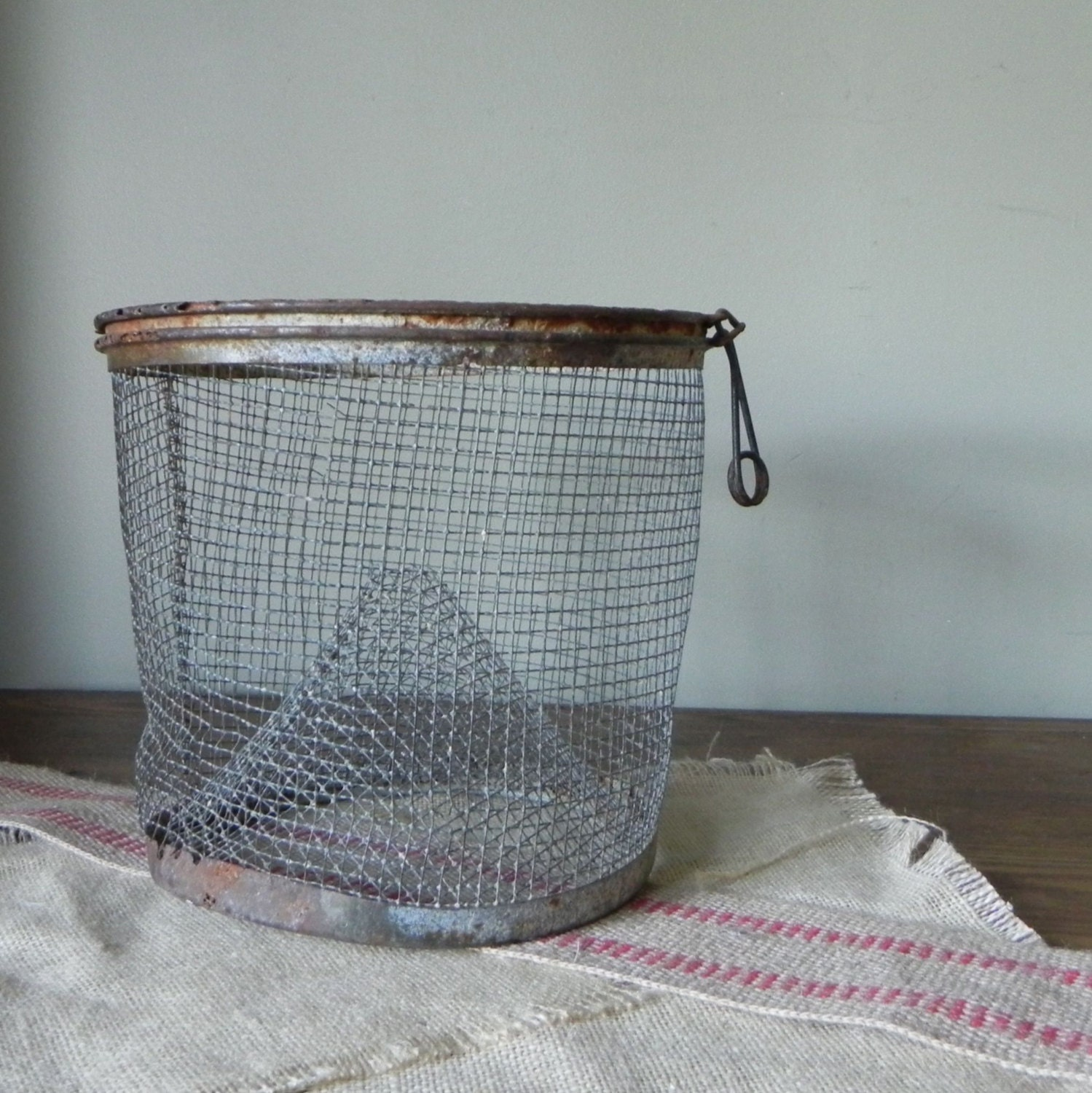 Vintage metal wire rustic fishing basket with by jollytimeone for Fish wire basket